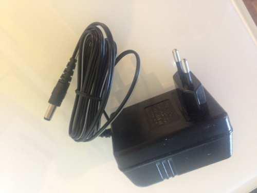 Pro-Ject levysoittimen virtalähde 16 V AC / 500 mA