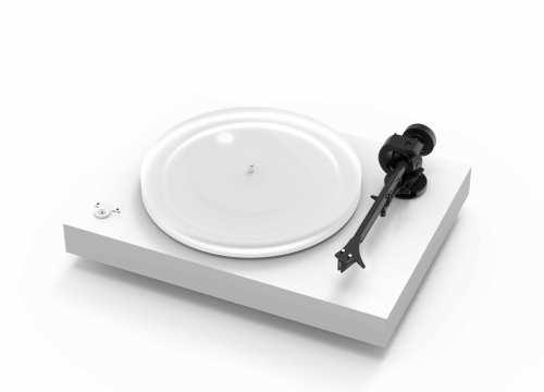 Pro-Ject X2 levysoitin Ortofon 2M Silver äänirasialla
