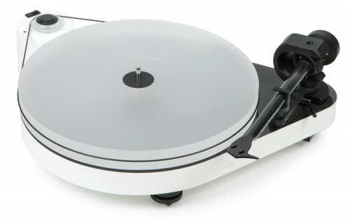 Pro-Ject RPM 5 Carbon, ilman äänirasiaa, pianovalkoinen